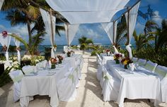 One example of a daytime reception table set up at Las Terrazas [Conch Creative] #lasterrazas #destinationwedding
