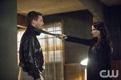 Arrow episode 304 'The Magician'. Oliver Queen, Nyssa al Ghul