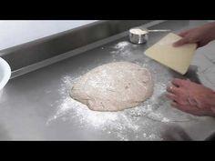 Pâine cu maia naturală rețeta simplă de pâine fără drojdie. Cum se face pâine cu drojdie sălbatică (wild yeast)? Pâine de casă cu maia din