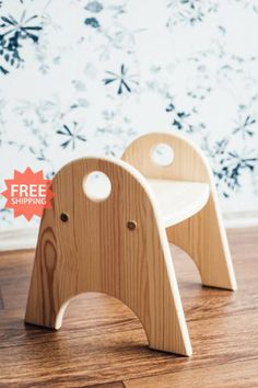 Childrens Step Stool, Diy Stool, Step Stools, Wood Steps, Kitchen Helper, Wooden Stools, Kids Furniture, A Table, Woodworking