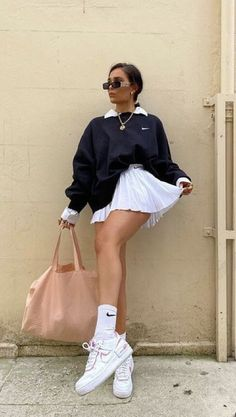 Adrette Outfits, Indie Outfits, Teen Fashion Outfits, Retro Outfits, Cute Casual Outfits, Look Fashion, School Skirt Outfits, Modest Fashion, 90s Fashion