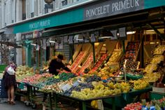 Marche Rue Poncelet in Paris. Be sure to meander around Rue Poncelet. The street has one of the best fromageries in the city (Alléose) as well as a couple delightful bakeries (Le Kaffehaus and La Pâtisserie des Rêves) and several restaurants. Bakeries, Paris Travel, Apartments, Places Ive Been, Restaurants, Beautiful Places, To Go, Goals, France