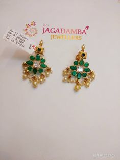 Gold Jewelry In Italy Gold Jhumka Earrings, Jewelry Design Earrings, Gold Earrings Designs, Gold Jewellery Design, Gold Jewelry Simple, Jewelry Patterns, Gold Buttalu, Body Top, Chains