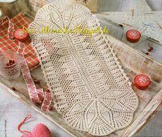 O cantinho da Diva e Familia: Naperon comprido branco Rugs On Carpet, Carpets, Doilies, Straw Bag, Reusable Tote Bags, Pattern, Crochet Table Runner, Crochet Carpet, Oval Rugs