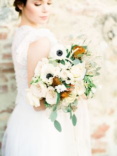 warm autumn hue inspired bridal bouquet | Photography: Kristine Herman Photography