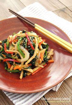 Vegetable Seasoning, Korean Food, Kimchi, Food Design, Gaia, Japchae, Quick Easy Meals, Cooking Recipes, Easy Recipes