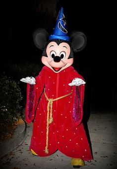 We visited Mickey between shows at Fantasmic! last night. He did an awesome job ; Minnie Mouse Pictures, Disney Pictures, Mickey Mouse And Friends, Disney Mickey Mouse, Disney Parks, Walt Disney World, Disneyland Paris, Disney Characters, Fictional Characters
