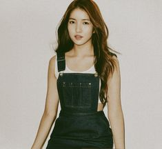 Kpop Girl Groups, Kpop Girls, Gfriend Sowon, G Friend, Kpop Aesthetic, Overall Shorts, Photoshoot Ideas, Idol, Flower