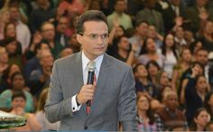 """Culto na Assembleia de Deus do Brás vira comício e tem até """"pesquisa eleitoral"""" (Veja Vídeo)"""