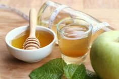 Apple Cider Vinegar Benefits Apple Cider Vinegar And Honey - Sore throat is quite annoying. And if it is accompanied by pain or inflammation, all your plans go out of the window. Fret not, as apple cider vinegar can be your rescue Apple Cider Vinegar Remedies, Apple Cider Vinegar For Skin, Apple Cider Vinegar Benefits, Vinegar And Honey, Colon Cleanse Diet, Natural Colon Cleanse, Colon Detox, Diet Detox, Cleanse Detox