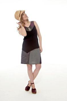 Vêtements designers québécois, vendus dans nos deux boutiques Rouge Canapé. 384 rue Notre-Dame à Joliette, 450 867-4300 et 3656 rue queen à Rawdon, 450 834-1144. Vous pouvez nous suivre sur facebook :)