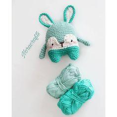 Sono felice di condividere l'ultimo arrivato nel mio negozio #etsy: Coniglio a crochet, gioco per bambini, peluche neonato, fotografia neonato, bambino pasqua coniglietto, regalo nascita, gioco culla neonato http://etsy.me/2D1rAp7