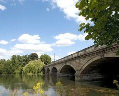 Serpentine Bridge in Hyde Park, London Beautiful London, Hyde Park, Bridges, Parks, Travel, Viajes, Traveling, Trips, Park