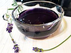 Sirop natural de lavanda, este un sirop aromat, parfumat, foarte gustos si nu contine conservanti. Chocolate Fondue, Preserves, Red Wine, Creme, Alcoholic Drinks, Food And Drink, Vegan, Natural, Healthy