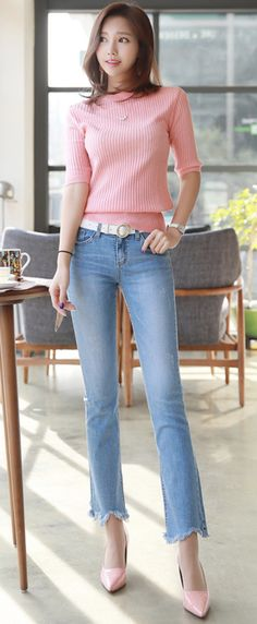 Korean Women`s Fashion Shopping Mall, Styleonme. Girls Ripped Jeans, Sexy Jeans, Fashion Poses, Fashion Outfits, Trendy Outfits, Fashion Moda, Womens Fashion, Love Clothing, Fashion Seasons
