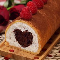 ta Cucina on Vimeo, the home for high quality videos and the people who love them. East Dessert Recipes, Cake Recipes, Holiday Cakes, Christmas Desserts, Mini Desserts, Easy Desserts, Cakes That Look Like Food, Chocolate Cake Video, Crockpot Recipes Cheap
