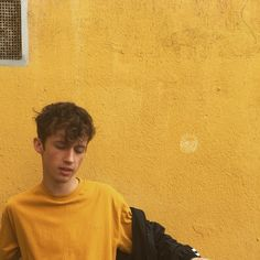 pinterest: @divinika☆ i think this is troye sivan but im just pinning for the yellow aesthetic lol