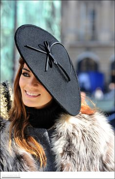 Fascinator. Only in Paris. Chic to chic.