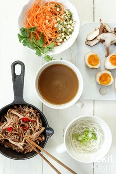 Ramen-keitto | Kokit ja Potit -ruokablogi Ramen Soup, Soup And Salad, Salads, Good Food, Tasty, Ethnic Recipes, Soups, Salad, Soup