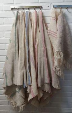 Aivosolun ajatukset Bathroom Hooks, Blanket, Blankets, Cover, Comforters