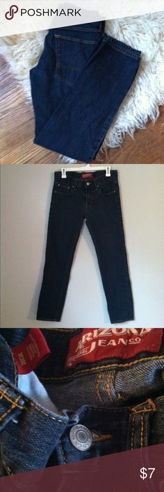 Arizona Jean Company Skinny Jeans 30/30 •Excellent used condition •Normal wear such a fading but overall in excellent condition •Dark wash •Style: Skinny •Brand: Arizona Jean Company •Size: Men size 30/30 •NO TRADES Arizona Jean Company Jeans Skinny