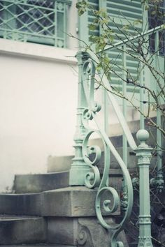 mint stairs