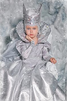 Movie Costumes, Cool Costumes, Christmas Costumes, Halloween Costumes, Little Girl Dresses, Girls Dresses, Ice Queen Costume, Carnival Dress, Halloween Disfraces