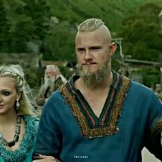 Ragnar Lothbrok, Lagertha, Full Leg Tattoos, Football Images, Alexander Ludwig, Vikings Tv, Super Mario Bros, Aesthetic Clothes, Movies And Tv Shows