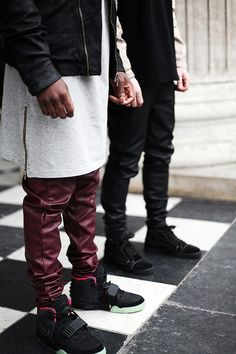 APC. Inspiration. Street Style. Youth. New. Fashion. Express. Attitude. Length. Details. Zipper. Men. Clothing. Outfits. Black & White. Leather. Slim. Rough.