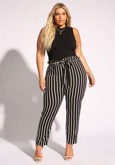 Plus Size Pinstripe Paperbag Pants - Sophisticated Work Attire and Office Outfits for Women Business Casual Outfits, Professional Outfits, Business Fashion, Plus Size Business Attire, Plus Size Professional, Casual Office Wear, Xl Mode, Mode Plus, Curvy Girl Outfits