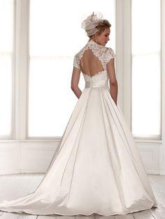 sassi-halford-bridal-gowns-spring-2016-fashionbride-website-dresses51