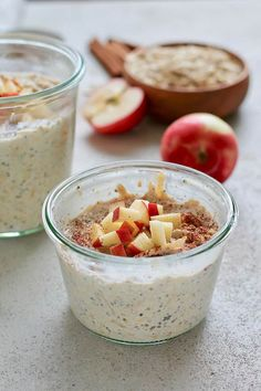 Make these easy apple overnight oats and your breakfast will be a cinch! This healthy and gut-friendly recipe uses yoghurt for a light fermentation of the oats, and cinnamon for incredible flavour. Vegetarian Comfort Food, Tasty Vegetarian Recipes, Delicious Breakfast Recipes, Brunch Recipes, Vegetarian Lifestyle, Best Overnight Oats Recipe, Apple Overnight Oats, Make Ahead Breakfast, Breakfast For Dinner