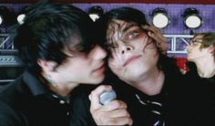 """Play buzz >>>> I got """"the world is ugly but you're beautiful to me"""" MCR ❤"""
