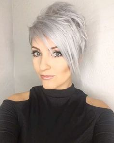 The new cut by @leahfittsbeautydesign. What's your guys vote, stay this color for the show or throw some pastel blue, pastel pink or charcoal in there too? #leahfittsbeautydesign #emilyandersonstyling