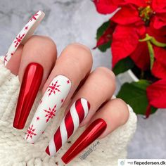 """💋 Perfect Nails 🌎 on Instagram: """"Beautiful! ❤️ Nail Artist: @fiepedersen.dk ✔️🌟🌟🌟 💝 Tap photo to see artist page link. Follow her for more gorgeous nail art designs! Dear…"""" Xmas Nails, Holiday Nails, Christmas Nails, Gold Glitter Nails, Rhinestone Nails, Beautiful Nail Art, Gorgeous Nails, Nail Art Noel, Acrylic Nail Designs Coffin"""