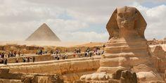 A Grande Esfinge e as pirâmides de Gizé, erguidas durante o Império Antigo. Estes são alguns dos monumentos mais emblemáticos do Antigo Egito.