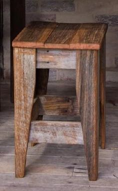 Pallet Furniture Sustainable Design from The Designer Chicks - Sustainable Design from The Designer Chicks Pallet Stool, Pallet Furniture, Furniture Projects, Rustic Furniture, Furniture Design, Luxury Furniture, Pallet Bar Stools, Wood Stool, Barn Wood Projects