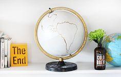 Nos encanta este DIY para empezar el año. ¿Os atrevéis a cambiar vuestra bola del mundo? Un resultado muy chic.
