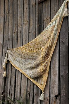 Ravelry: Shake it up by Anna Johanna Knitting Blogs, Knitting Ideas, Circular Needles, Sock Yarn, Needles Sizes, Pretty Cool, Ravelry, Mystery, Patterns