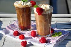 kawa z malinami