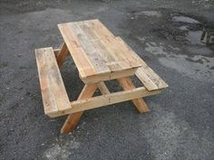 DIY Pallet Picnic Table - Easy Pallet Ideas