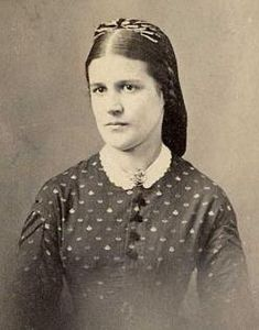 Civil War era hairstyle bound with hair net.The Barrington House Educational Center, L. - Hairstyles Hair Ideas, Cut And Colour Inspiration Vintage Photos Women, Vintage Ladies, Civil War Hairstyles, Civil War Books, Civil War Fashion, Civil War Dress, Lady Mary, Glamour Shots, Old Hollywood Glamour