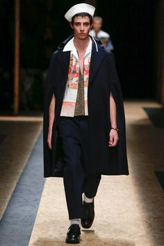 Prada-2016-Fall-Winter-Mens-Collection-003. Awesome coat, tragic hat.
