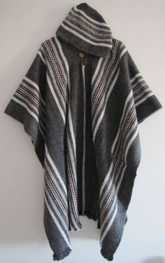 Llama Wool Poncho with Hood Grey Man Woman Cape Man Men - Handmade in Ecuador #Handmade #PonchowithHood