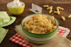 La pasta cotto e zafferano è un primo piatto semplice da preparare, anche all'ultimo momento, ma saporito e sfizioso, che piacerà a tutti!