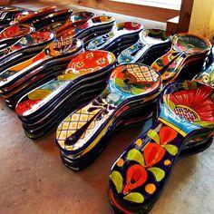 Talavera Kitchen Spoon Rest. Available at Barrio Antiguo 725 Yale St 77007 (713)880-2105  #TalaveraSpoonRest #Talavera #MexicanKitchen