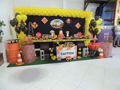Festa tema construção - trator Truck Birthday Cakes, 1st Birthday Themes, Baby Boy Birthday, 3rd Birthday Parties, Birthday Bash, Birthday Decorations, Construction Birthday Parties, Construction Party, Digger Birthday