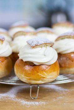 My Kitchen Stories Baking Buns, Bread Baking, Scandinavian Food, Swedish Style, Kitchen Stories, Fika, Pretzel Bites, Raw Food Recipes, Semlor