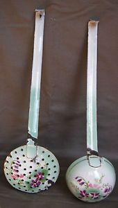LOUCHE-ET-ECUMOIRE-ANCIENNES-TOLE-EMAILLEE-DECOR-DE-FLEURS-enamelled-iron-ladle