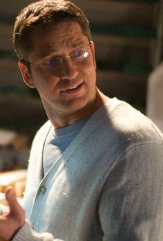 guys w/ glasses ... ;) Gerard Butler in Nim's Island. A great dad! :D